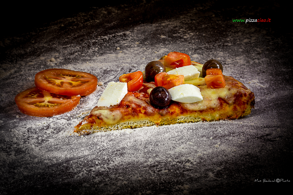 pizzaciao@ feta greca, pomodoro e olive