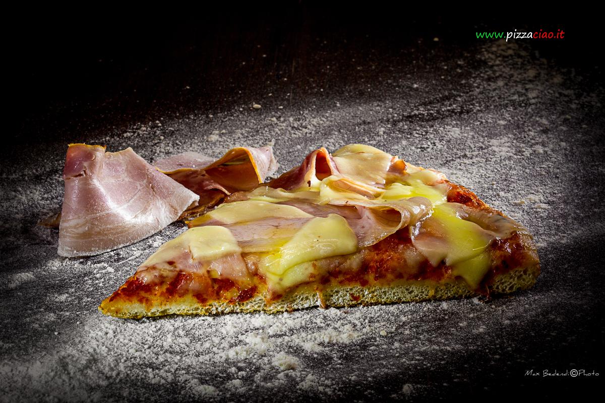 pizzaciao@ pancetta e formaggio