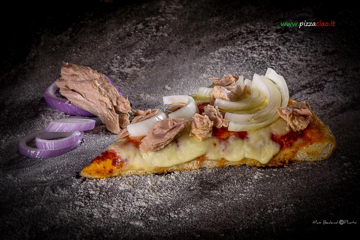 pizzaciao@ tonno e cipolle