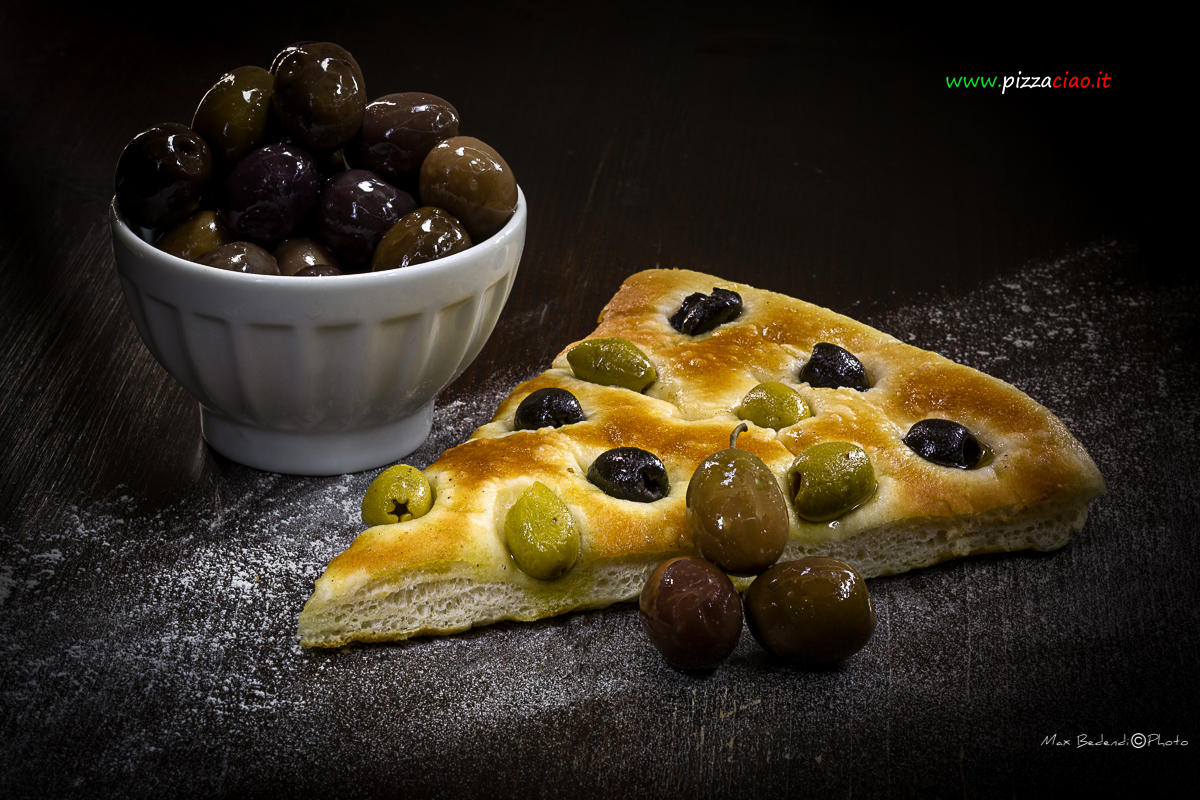 pizzaciao@focaccia con olive